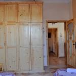 klimatisierte Schlafzimmer mit Doppel- und/oder Einzelbetten